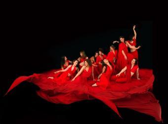 La compañía Tarab presenta en Trui Teatre un espectáculo de danza y acrobacia