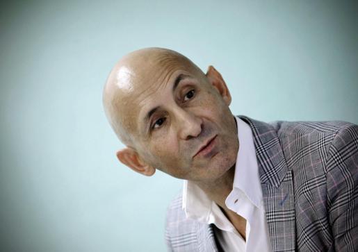 El diseñador Modesto Lomba, durante una comparecencia en las aulas de Creanavarra Centro Superior de Diseño en Pamplona.