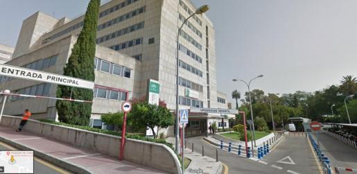 La menor ingresó directamente en la UCI del hospital malagueño.