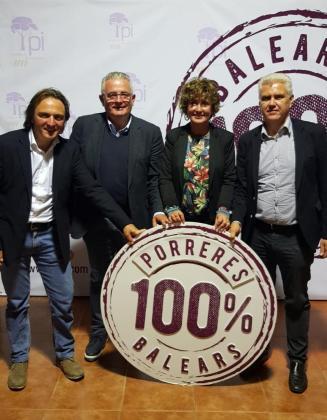 Joan Miralles, Jaume Font, Xisca Mora y Josep Melià en la presentación de Mora como candidata a la Alcaldía de Porreres.