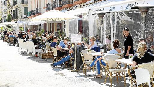 El inicio de la temporada turística dispara la confianza de los empresarios de Baleares