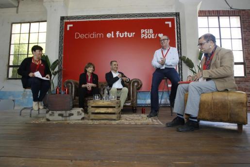 Diálogo sobre derechos y libertades con Dolores Delgado, Pere Joan Pons, Cosme Bonet y Susanna Moll.