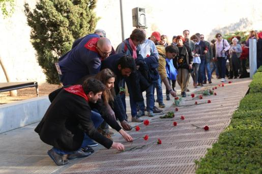 Acto en el que se han incorporado al Muro de la Memoria 17 nuevos nombres de represaliados.