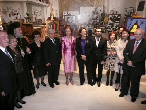 Doña Sofia, junto a las autoridades chipriotas y mallorquinas.