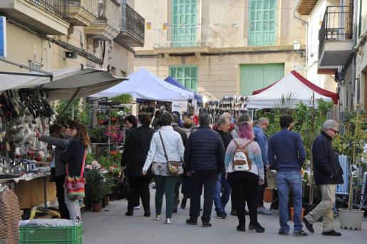 Un gran ambiente en las calles de Santa Margalida durante su Fira.