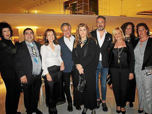 Evita Medina, José Luis Mesas, Pilar García, Xisco Barceló, Belén Escutia, Juan Antonio del Río, Coloma Oliver, María Femenías y Rosa Adrover.