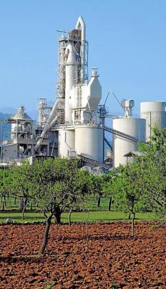 Cemex anunció el pasado otoño el cierre de la fábrica de cemento de Lloseta de la que dependen 98 puestos de trabajo directos y unos 150 indirectos.