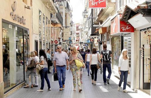 Los comercios de Mallorca sólo abrirán un día de todos los festivos de Semana Santa.