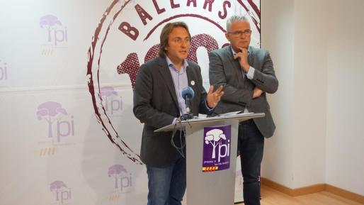 Joan Miralles y Jaume Font, candidato del PI al Congreso de los Diputados y al Govern, respectivamente.