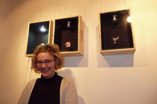 La diseñadora de joyas ultimaba ayer los últimos preparativos de la muestra.