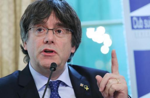 Carles Puigdemont tendría que recoger su acta en España.