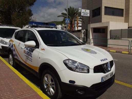 Imagen de archivo de un coche de la Policía Local de Santa Eulària.