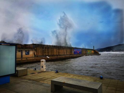 Imagen del fuerte oleaje en Cala Rajada.
