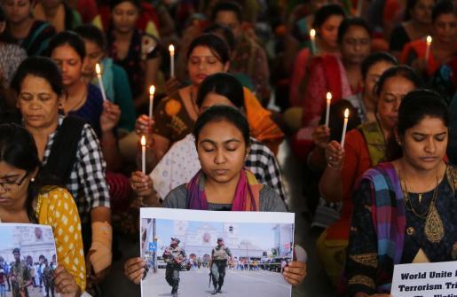 Rezos y plegarias por las víctimas de los atentados.