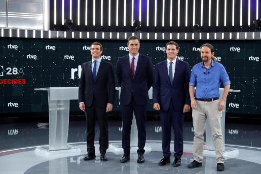 Los principales candidatos a la Presidencia del Gobierno en las elecciones generales, Pablo Casado (PP), Pedro Sánchez (PSOE), Albert Rivera (Cs) y Pablo Iglesias (Unidas Podemos), en el Estudio 1 en Prado del Rey.