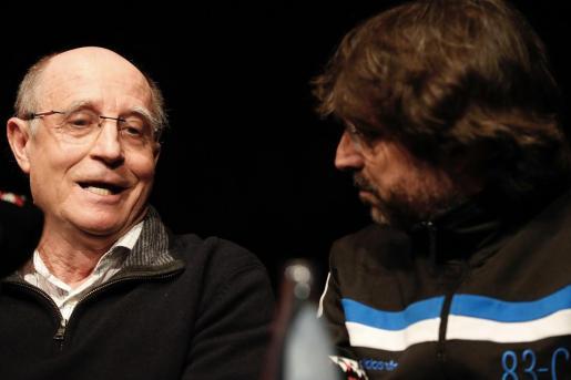 Ángel Hernández junto a Jordi Évole durante el debate sobre el derecho a morir dignamente.