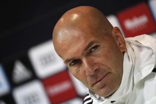 El entrenador francés del Real Madrid Zinedine Zidane, durante la rueda de prensa tras el entrenamiento de su equipo en la Ciudad Deportiva de Valdebebas.