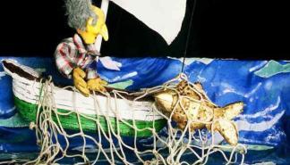 La compañía Binixiflat presenta la obra de marionetas 'El peixet d'or'