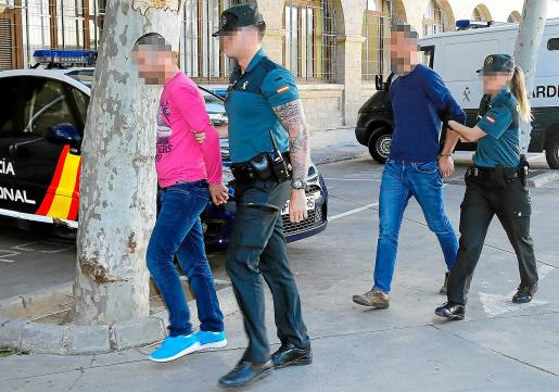 Los dos albanokosovares detenidos fueron trasladados este miércoles al juzgado de guardia.
