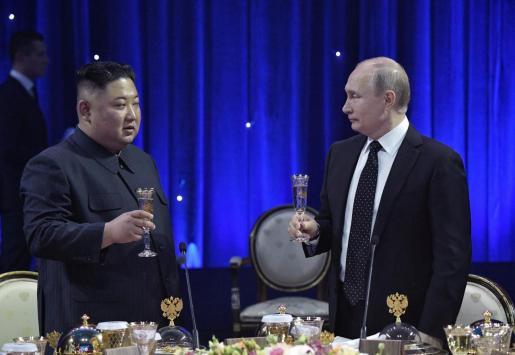 Encuentro de los dos líderes en el que han tratado cuestiones bilaterales.