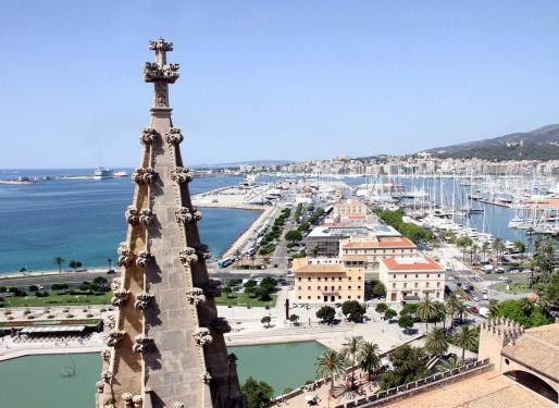 Vista desde las terrazas de la Catedral de Mallorca.