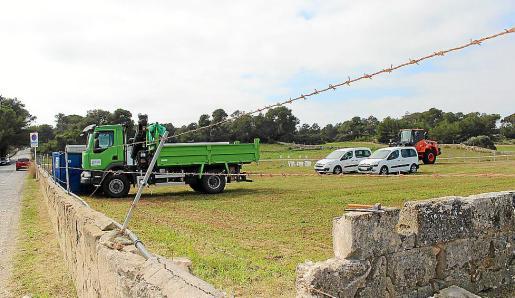 El aparcamiento de na Tirapèl está siendo acondicionado y tendrá la mitad de capacidad.