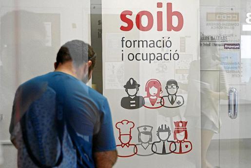 En marzo había registradas en Balears cerca de 13.000 personas con más de un año en paro.