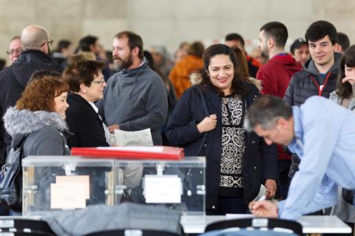 Los colegios electorales de toda España han abierto sus puertas a las 9 de la mañana de este domingo.
