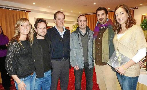 Sonia Navarro, Miguel Gost, Fernando Bescós, Joan Perelló, Jaume Maimó y Marina Martínez acudieron a la presentación del libro.