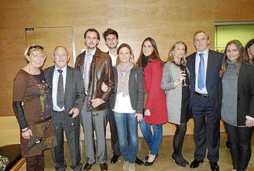 Olivia Vega, Bernat Feliu, Dito Feliu, Carlos Aleñar, Ana Padilla, Marta Aleñar, Ana García, Martín Aleñar y Andrea Escandell.