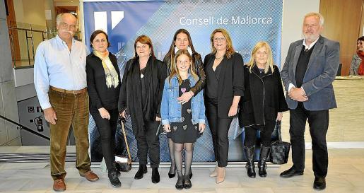 José Luis Corral, Nela Costa, Lydia Corral, Elisa Corral, Lucía Canalejo, Lydia E. Larrey, Elisa Pérez y Luis Antonio Corral.