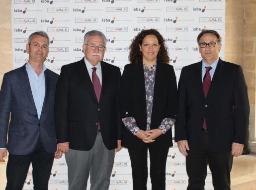 José Luis Gil, Consejero Delegado de ISBA; Eduardo Soriano, Presidente de ISBA; Catalina Cladera, Consellera de Hacienda; y Jesús Fernández, Director General de ISBA.