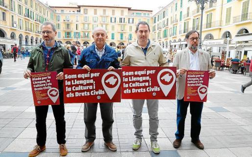 Miquel Gelabert (STEI), Joan Forteza (FAVP), Josep de Luis (OCB) y Miguel Herranz (UGT).