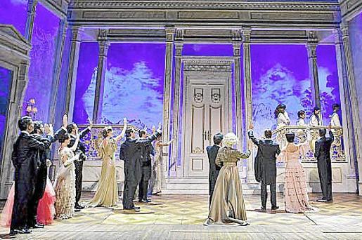 Escena del musical, en el que trabajan 26 actores y 10 músicos que tocan en directo.