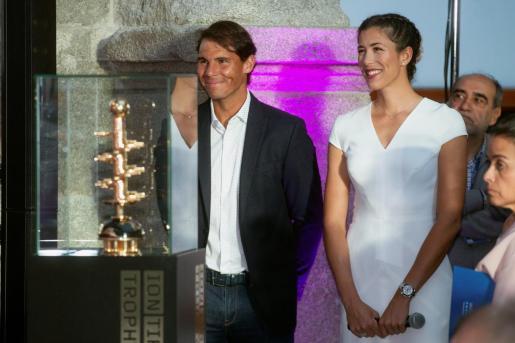 Los tenistas Rafa Nadal y Garbiñe Muguruza a su llegada a la presentación del Mutua Madrid Open 2019, en el Museo del Prado.