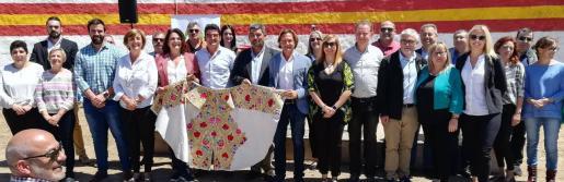 Foto de grupo de Vox Baleares en el acto celebrado este sábado en la plaza de toros de Alcúdia.