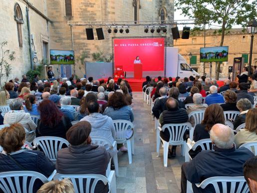 Francina Armengol, en Manacor, durante el acto del PSOE celebrado este domingo.