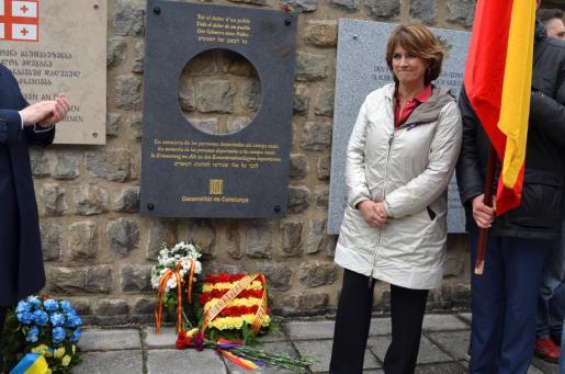 La ministra de Justicia, Dolores Delgado, que participa en los actos de recuerdo a las más de 8.000 víctimas españolas del nazismo, este domingo en un homenaje de la Generalitat a los deportados republicanos durante el nazismo.