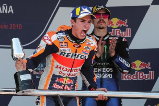 Marc Márquez celebra su victoria en el Gran Premio de España de MotoGP.