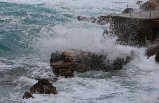 Aviso amarillo en Mallorca y Menorca por fenómenos costeros.