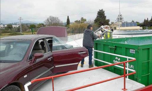 El nuevo punto verde de Inca, situado en el Camí Vell de Santa Magdalena, ha contabilizado 2.526 vehículos en el mes de marzo.