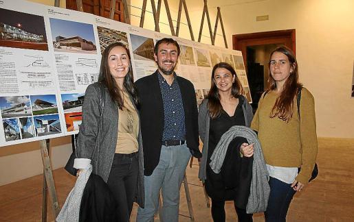 Ana Bigorra, Ferran Tiñena, María Almirall e Itziar Lafuente.