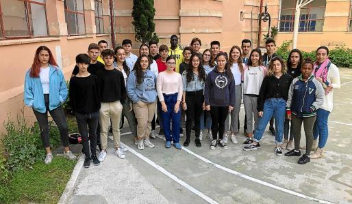 Los alumnos de 4º curso de ESO del IES Joan Alcover son los autores de 'Quiéreme libre 365'