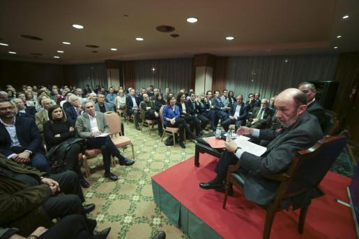 Alfredo Pérez Rubalcaba, en su última visita a Palma el 1 de febrero de 2018. Pronunció una conferencia en el Cercle d'Economia.