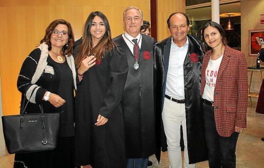 Carmen Leal, Marina Violeta Escandell, Martín Aleñar, Juan y Andrea Escandell.