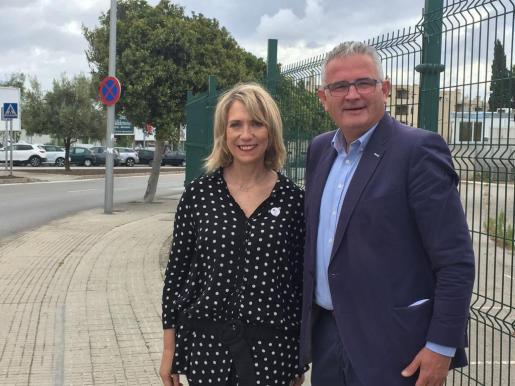 Lina Pons y Jaume Font, candidatos del PI al Parlament en las elecciones del 26M.