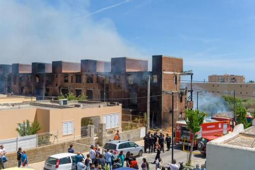 Vista del edificio incendiado en Ibiza.      Incendio en un edificio okupado de Ibiza.    13/05/2019   Incendio en un edificio okupado de Ibiza.