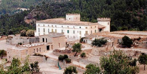 Las casas principales de la 'possessió' de Son Bunyola son el 'buque insignia' de una finca rústica de 270 hectáreas.