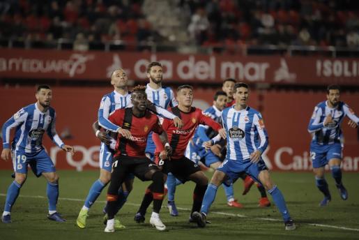 Imagen del partido entre el Real Mallorca y el Deportivo de la Coruña en Son Moix.