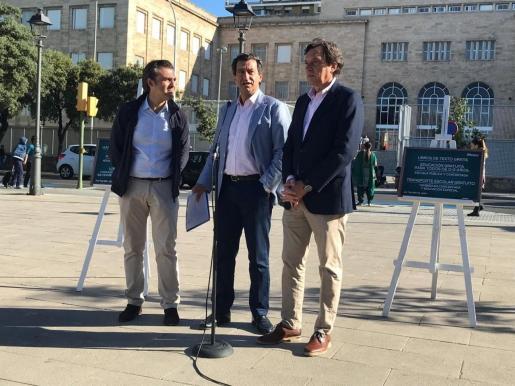 Los candidatos del PP al Govern y a Cort, Biel Comany y Mateo Isern, presentan sus propuestas electorales en materia de Educación.